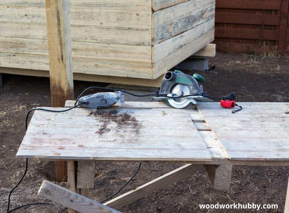 Do you need a jigsaw or circular saw for plywood